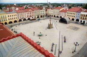 Nový Jičin Spacer po rynku w 700-lecie miasta