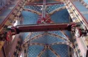 Kraków We wnętrzu bazyliki Mariackiej