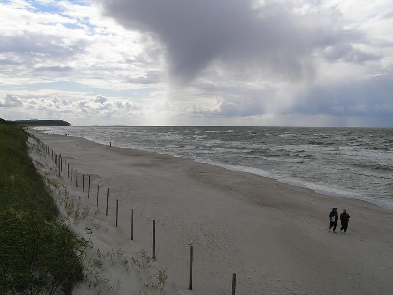 Międzywodzie Jesienne spacery po bałtyckiej plaży