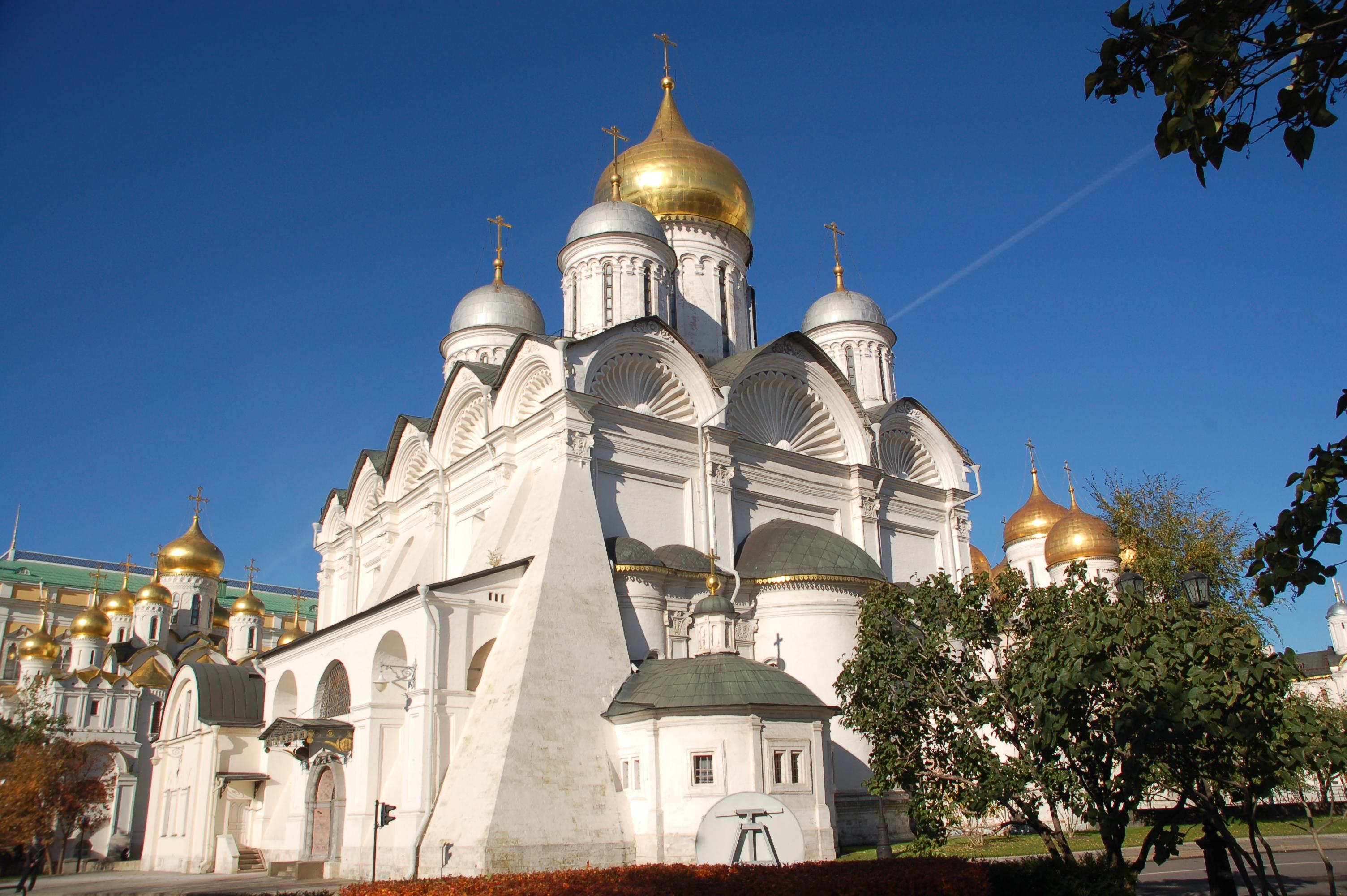 Moskwa. Carska nekropolia na Kremlu