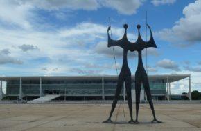 Brasilia Miasto nad jeziorem Paranoá