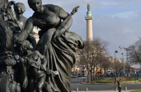 Paryż Triumf Republiki na Placu Narodu