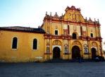 San Cristóbal de las Casas. Kolonialne kościoły i indiański targ