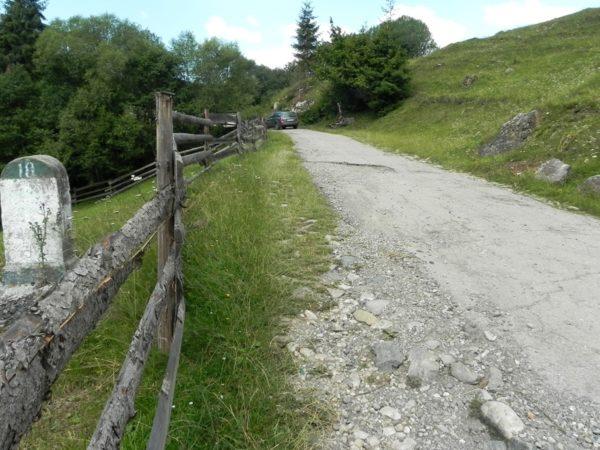 Masyw Rarău-Giumalău. Samochodem pod Skały Księżniczki