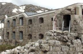 Passo Varparola Fort Tre Sassi – pamiątka Wielkiej Wojny