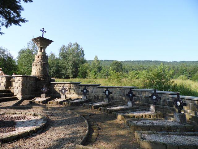 Wola Cieklińska. Urokliwy cmentarzyk z I wojny