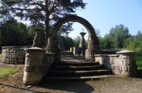 Wola Cieklińska Urokliwy cmentarzyk z I wojny