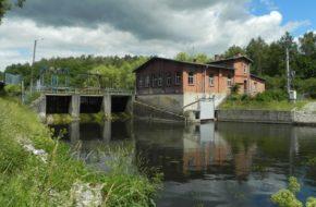 Czarnocińskie Piece Najstarsza elektrownia na Wierzycy