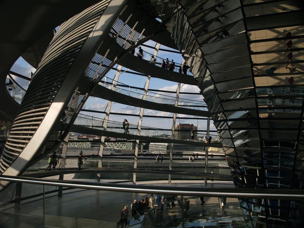 Berlin. Widok z kopuły Reichstagu