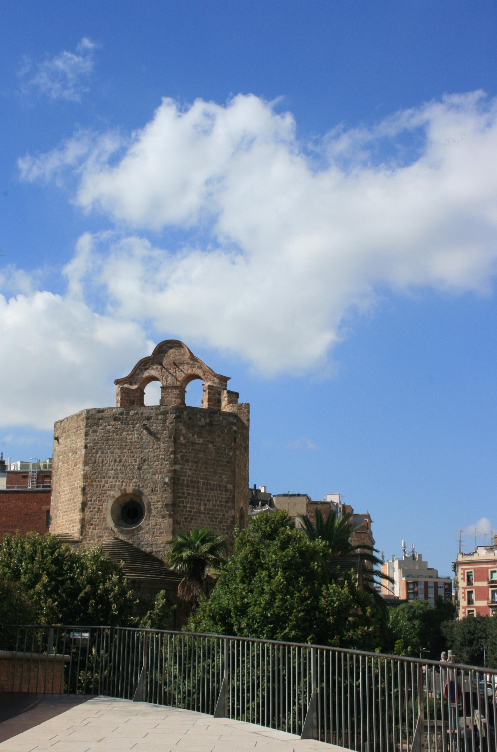 Barcelona. Burzliwa historia romańskiego klasztoru