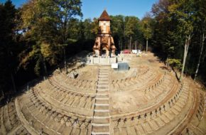 Łużna Największy cmentarz na wzgórzu Pustki