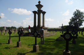 Nowy Żmigród Trzy – jakże różne – cmentarze