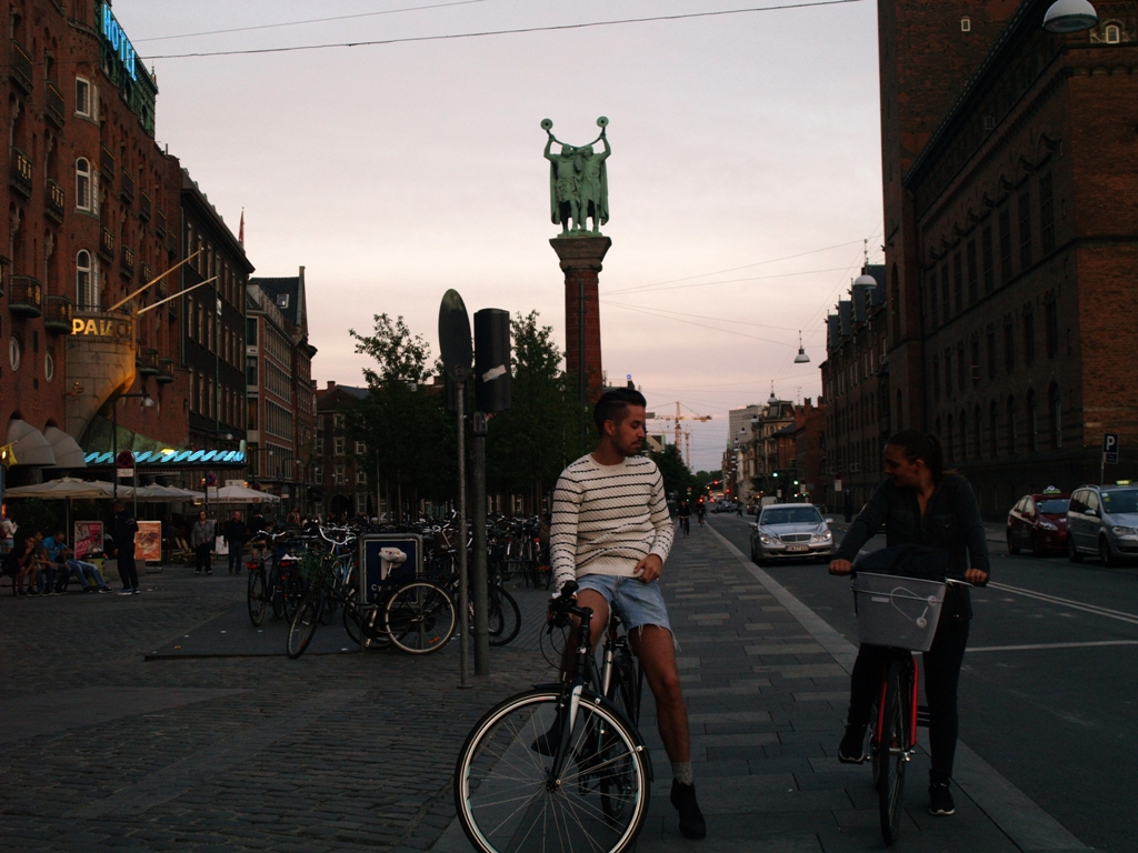 Kopenhaga. Smoki na Placu Ratuszowym