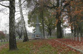 Dęblin Wojskowy cmentarz Balonna
