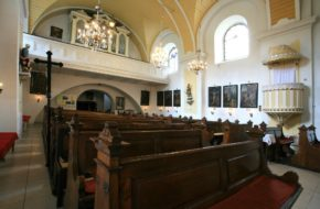 Karwina Krzywy kościół i pałac Fryštát