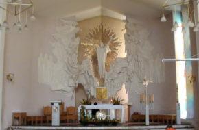 Iwonicz-Zdrój Dwa kościoły ponad zdrojowym deptakiem