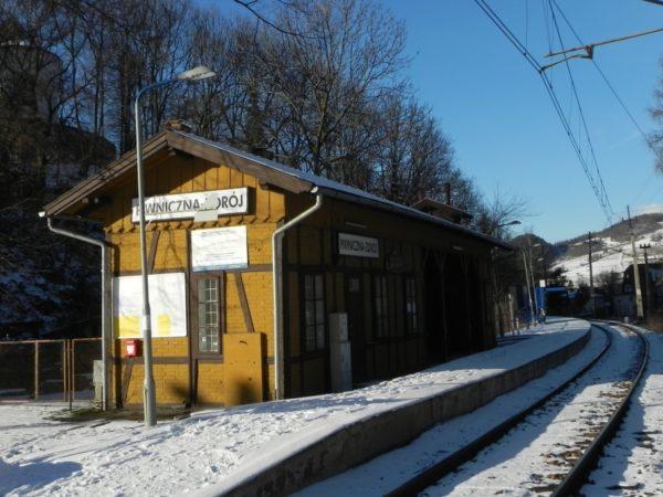 Piwniczna-Zdrój. Kolejowy przystanek po drodze w góry