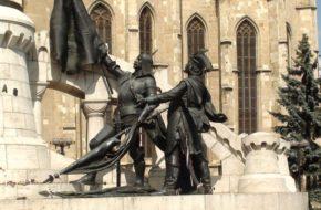 Kluż Od pomnika do pomnika