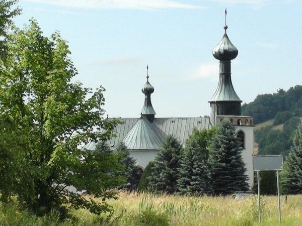 Klimkówka. Kościół nad zalewem