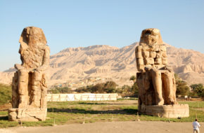 Luksor Amenhotep III, czyli Kolosy Memnona