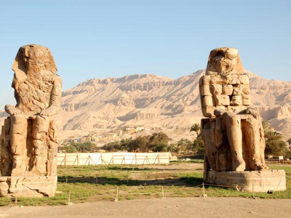 Luksor. Amenhotep III, czyli Kolosy Memnona