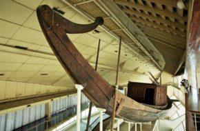 Giza Słoneczna łódź faraona Cheopsa