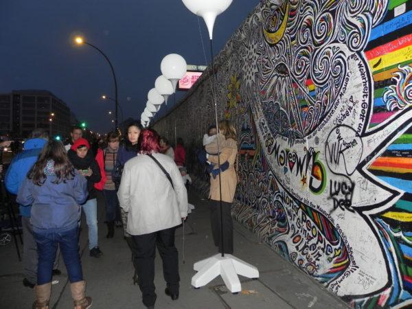 Berlin. East Side Gallery, czyli graffiti na Murze