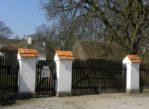 Tułowice. Dwór na skraju Kampinoskiej Puszczy