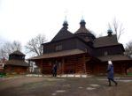 Kołomyja. Stara drewniana cerkiew cmentarna