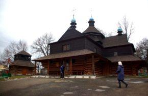 Kołomyja Stara drewniana cerkiew cmentarna