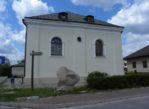 Józefów. Biblioteka w dawnej synagodze