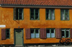 Kopenhaga Żółte domy w dzielnicy Nyboder