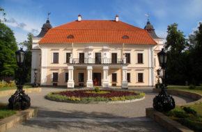 Skoki Pełen historii pałacyk Niemcewiczów