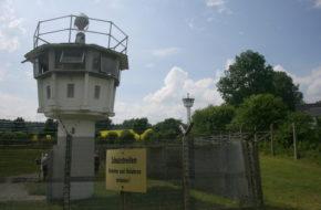 Mödlareuth Wioska kiedyś murem podzielona