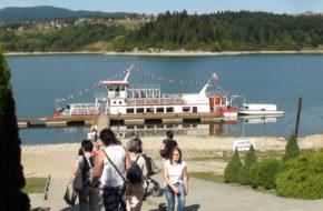 Czorsztyn Stateczkiem przez Jezioro Czorsztyńskie
