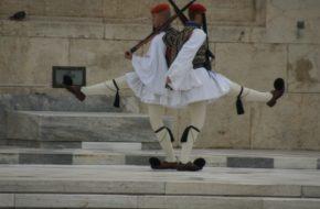 Ateny Grecki kryzys i honorowa zmiana warty