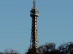 Praga. Stalowa wieża na wzgórzu Petřín