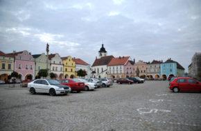 Nowe Miasto nad Metują Rezerwat historyczny wokół rynku