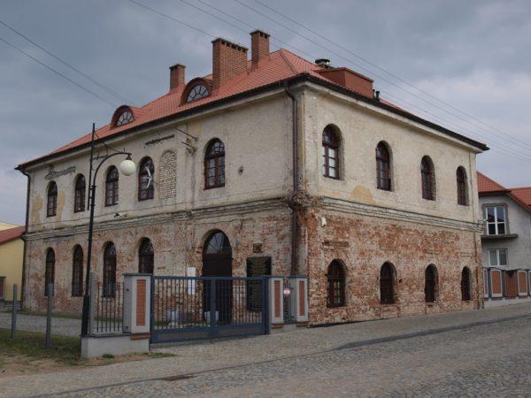 Ciechanowiec. W murach dawnej synagogi