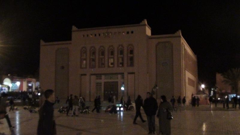 Warzazat . Turystyczna brama Sahary