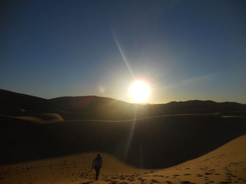 Erg Chebbi. Zachód słońca na pustyni