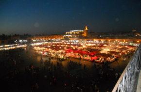 Marrakesz Na Jemma El Fna trzeba pójść wieczorem
