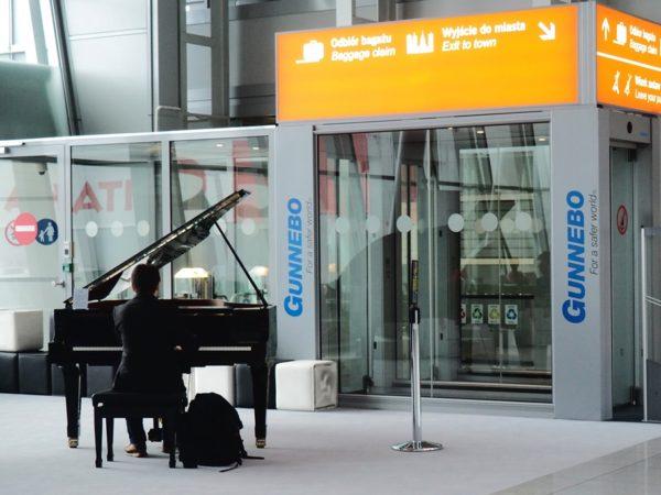 Warszawa. Muzyka Chopina na lotnisku Chopina