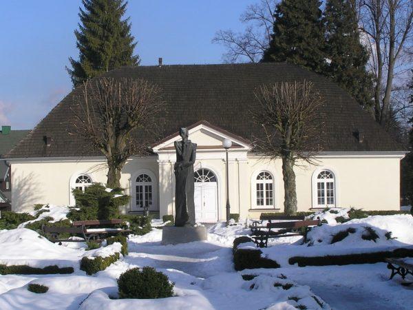 Duszniki-Zdrój. Kursaal, czyli Dworek Chopina