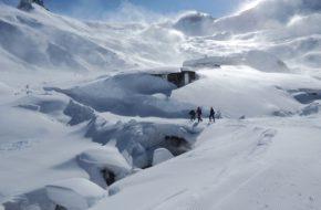 Adelboden Spacerkiem przez śniegi Engstligenalp