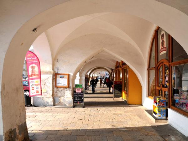 Litomyšl. Kamieniczki wokół rynku