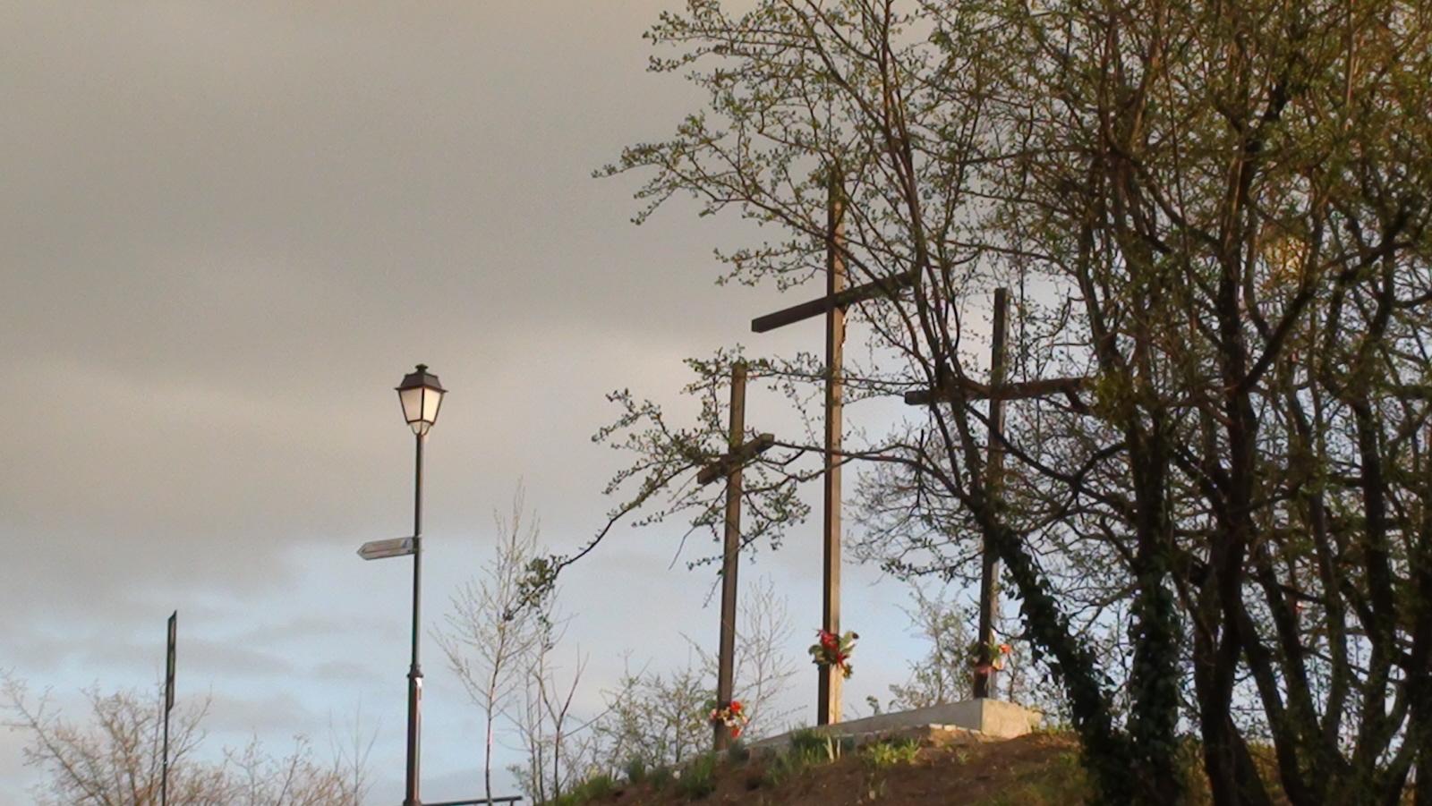 Przemyśl. Na Wzgórze Trzech Krzyży przez fort XVI c