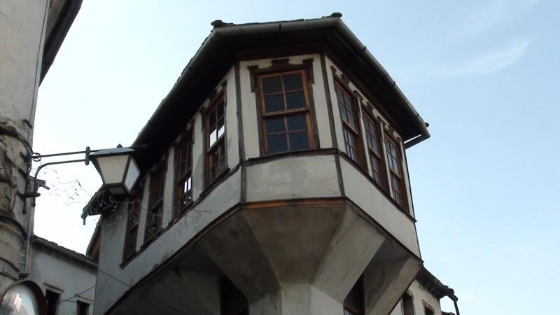 Gjirokastra. Osmańskie i bałkańskie klimaty