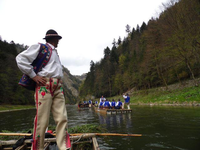Pieniny. Uroczysty spływ Dunajcem