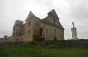 Zagórz W ruinach klasztoru karmelitów